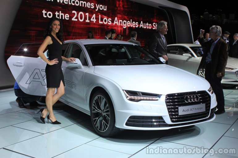 Audi A7 Sportback h-tron front three quarters at the 2014 Los Angeles Auto Show