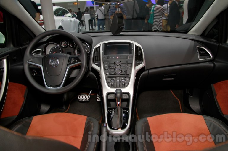 Buick Excelle XT dash at 2014 Guangzhou Auto Show
