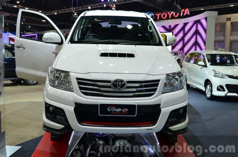 Toyota Hilux Vigo TRD Sportivo Edition front at the 2014 Thailand International Motor Expo