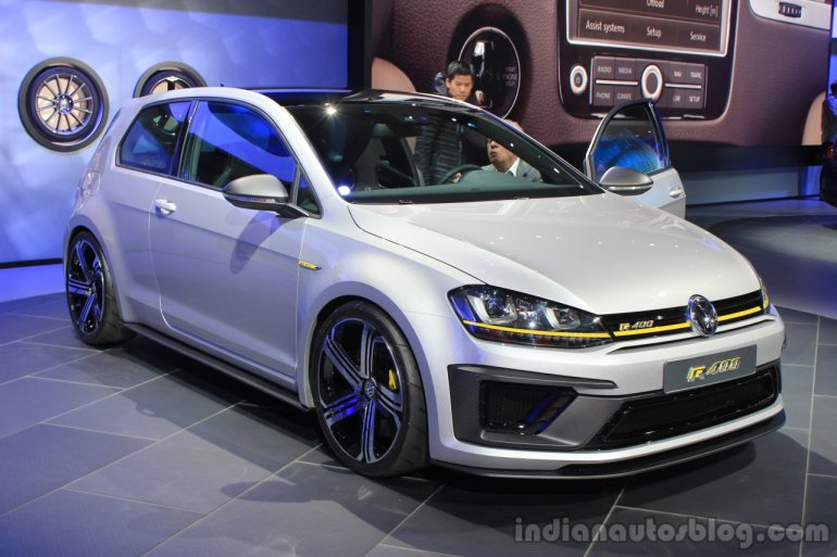 VW Golf R400 front three quarters at the 2014 Los Angeles Auto Show