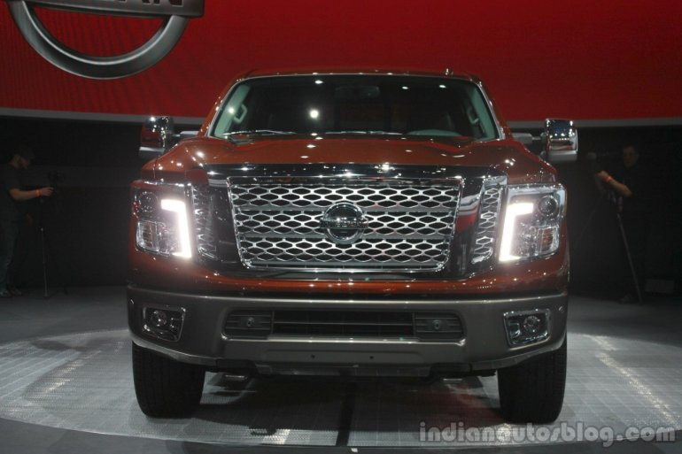 2016 Nissan Titan XD front fascia at the 2015 Detroit Auto Show