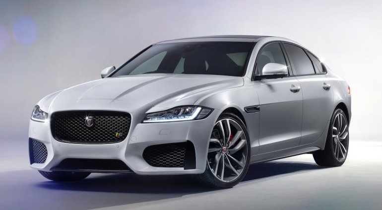 2016 Jaguar XF zoom-in front view