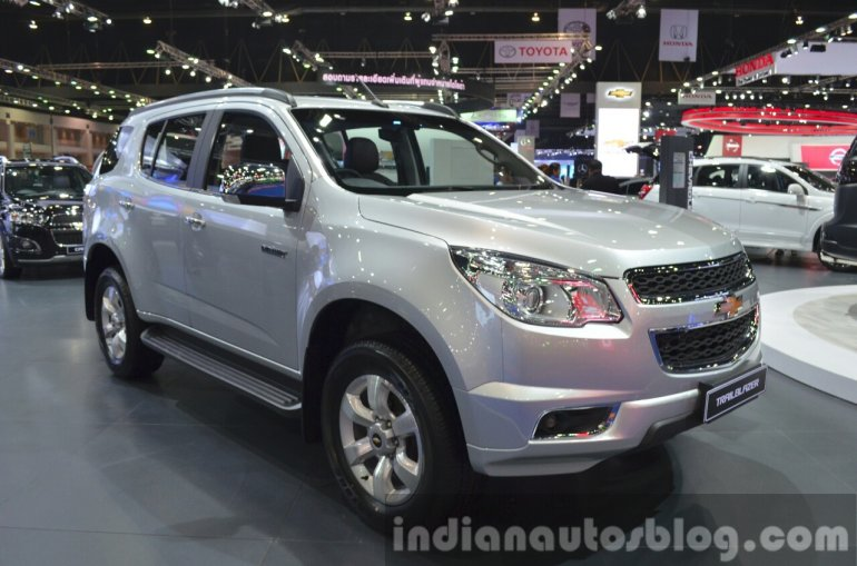 Chevrolet Trailblazer front three quarter left at the 2015 Bangkok Motor Show