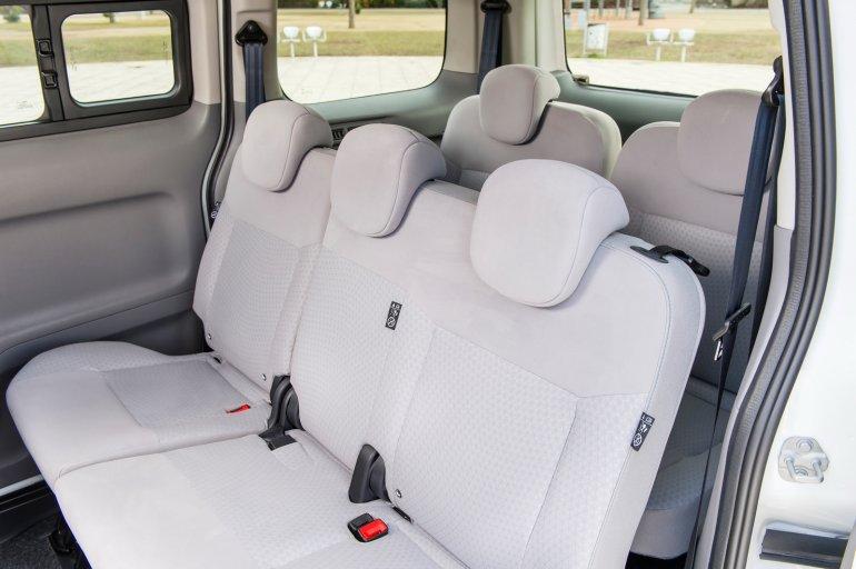 Nissan e-NV200 seven seat version interior press image
