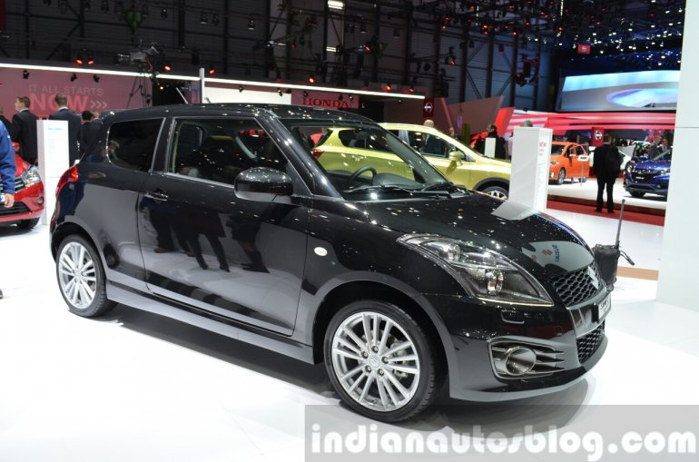 Suzuki Swift Sport front quarter at 2015 Geneva Motor Show