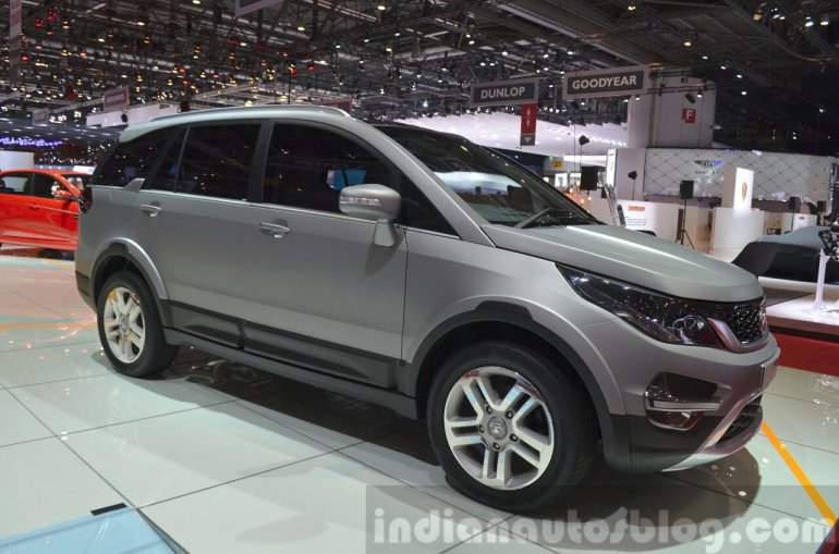 Tata Hexa front three quarters left at the 2015 Geneva Motor Show