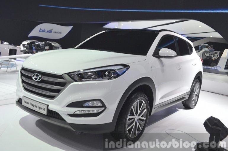Hyundai Tucson Plug-in Hybrid front three quarter at Auto Shanghai 2015