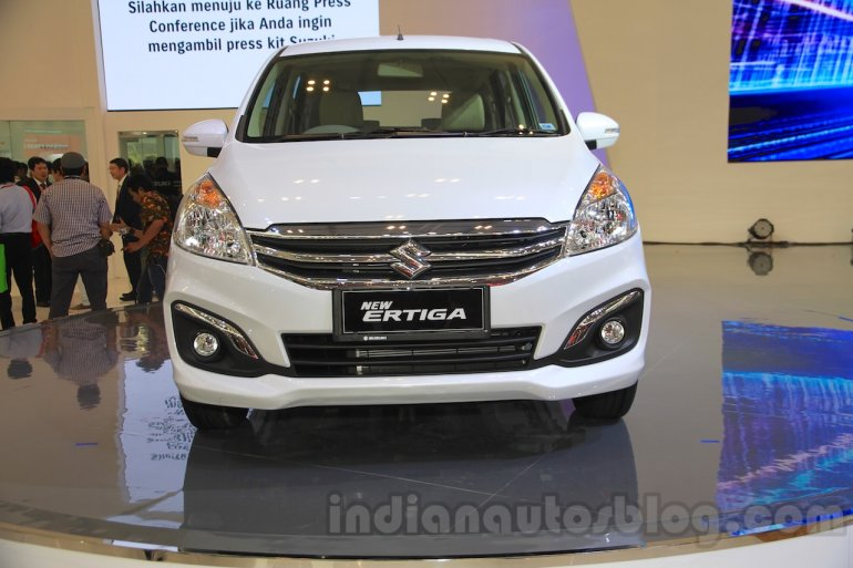 2015 Suzuki Ertiga facelift front at the Gaikindo Indonesia International Auto Show 2015