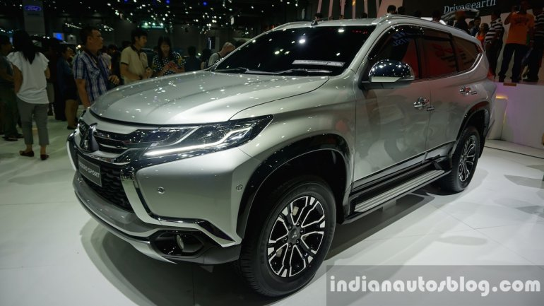 2016 Mitsubishi Pajero Sport front three quarter at the BIG Motor Sale Thailand