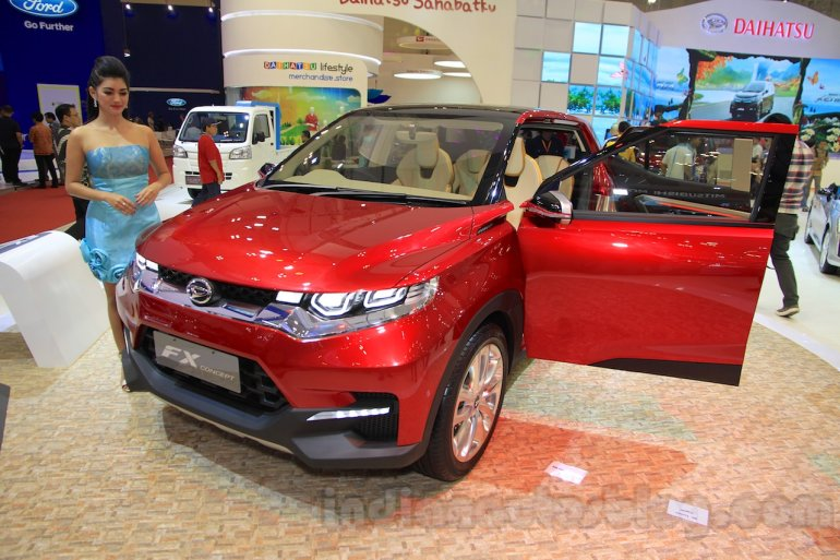 Daihatsu FX Concept front three quarter right doors open at the 2015 Gaikindo Indonesia International Auto Show (GIIAS 2015)