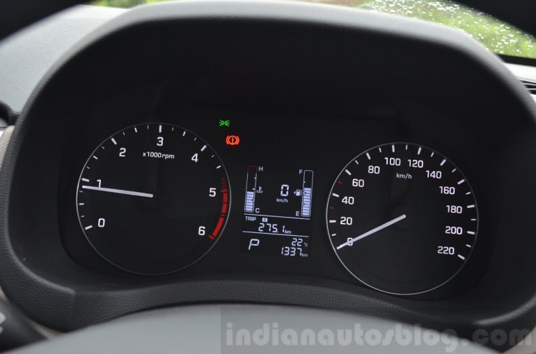 Hyundai Creta Diesel AT cluster Review