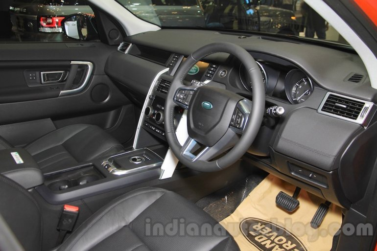 Land Rover Discovery Sport dashboard at the 2015 Gaikindo Indonesia International Motor Show (2015 GIIAS)