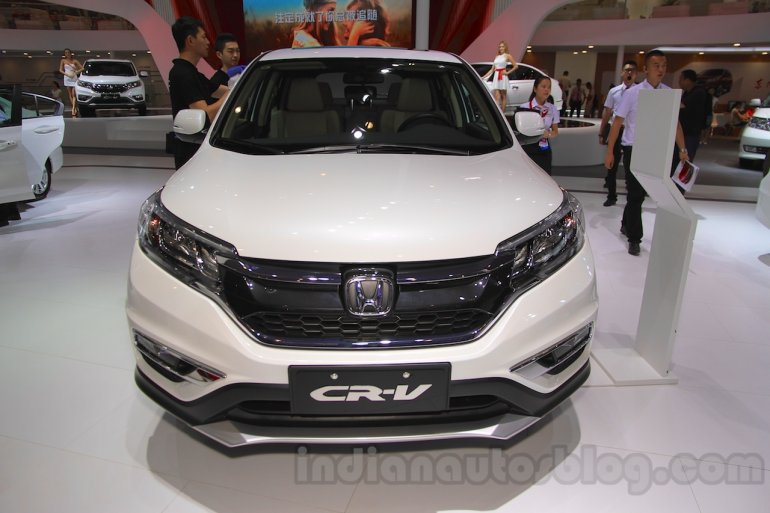 2015 Honda CR-V facelift front at the 2015 Chengdu Motor Show