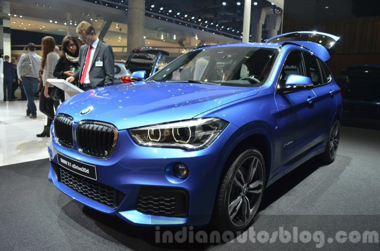 BMW X1 M-Sport Package front three quarters at IAA 2015
