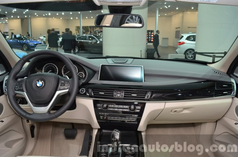 BMW X5 xDrive40e plug-in hybrid dashboard at IAA 2015