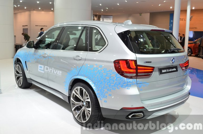 BMW X5 xDrive40e plug-in hybrid rear three quarter left at IAA 2015