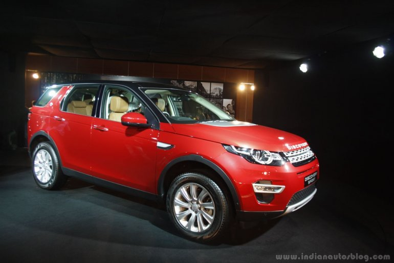 Land Rover Discovery Sport front three quarter Launch in Mumbai