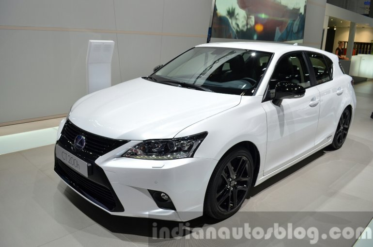 Lexus CT200h Sport Editions front three quarter at the IAA 2015