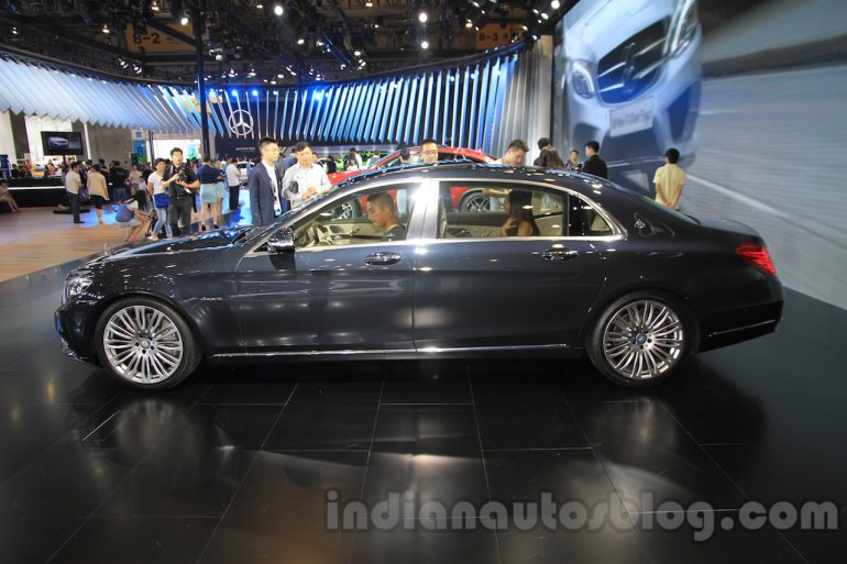 Mercedes Maybach S500 side at the 2015 Chengdu Motor Show