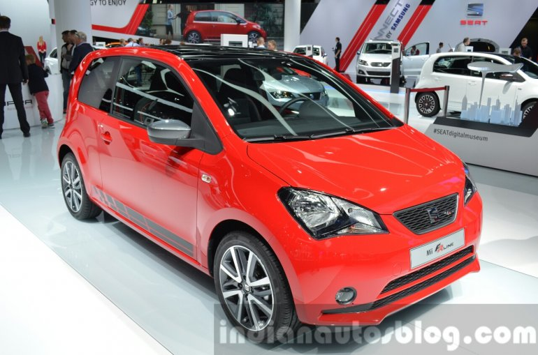 Seat Mii FR Line front three quarter at IAA 2015