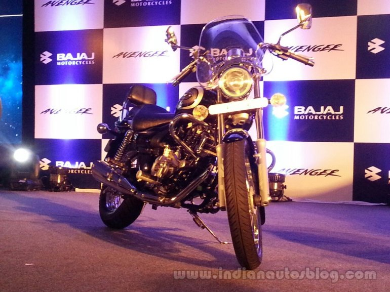 2016 Bajaj Avenger 220 Cruise launched windshield live image
