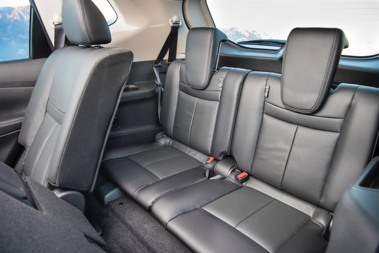2016 Nissan X-Trail third row seat
