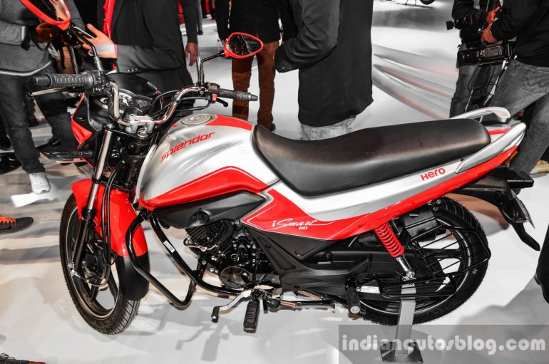 Hero Splendor iSmart 110 red and silver at Auto Expo 2016