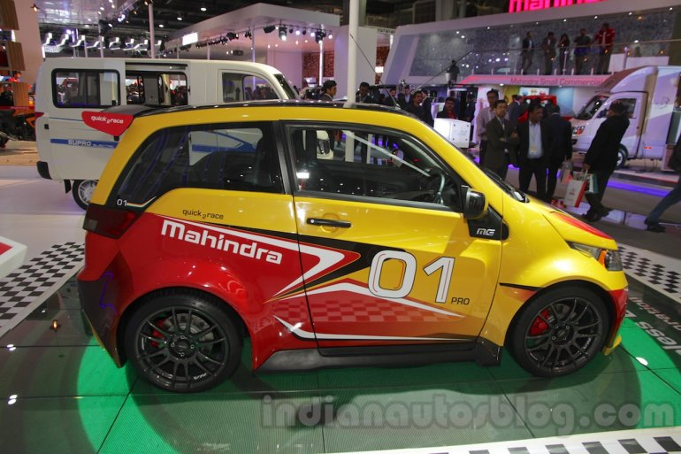 Mahindra e2o Sports side profile at Auto Expo 2016