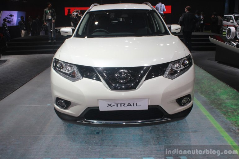 Nissan X-Trail Hybrid front at Auto Expo 2016