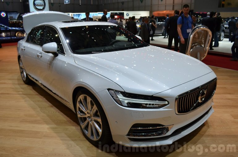 Volvo S90 front three quarter at the 2016 Geneva Motor Show Live