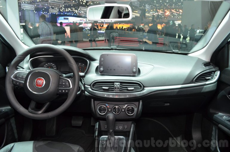 Fiat Tipo Estate dashboard at the Geneva Motor Show Live