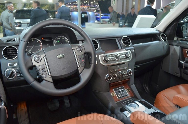 Land Rover Discovery Landmark Edition dashboard