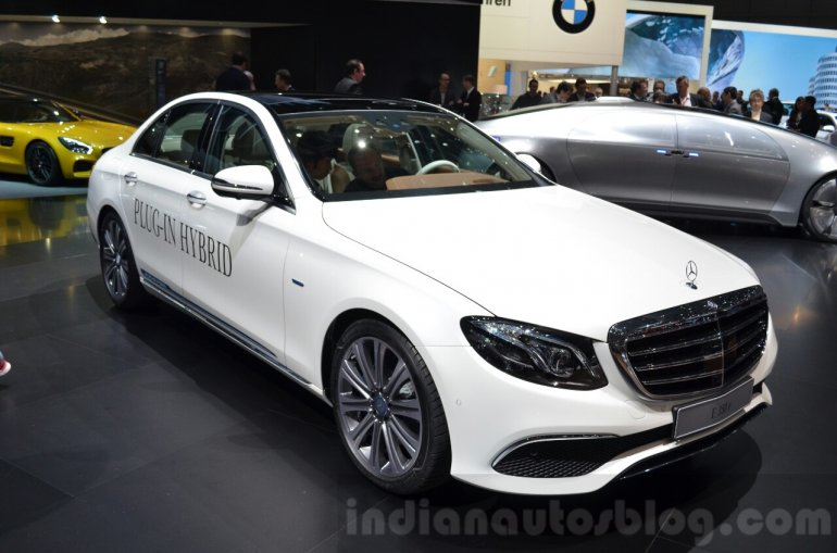 Mercedes E-Class E 350e front three quarters at the 2016 Geneva Motor Show