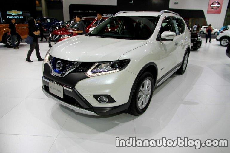 Nissan X-Trail X-Tremer Hybrid front three quarter at the Thai Motor Expo