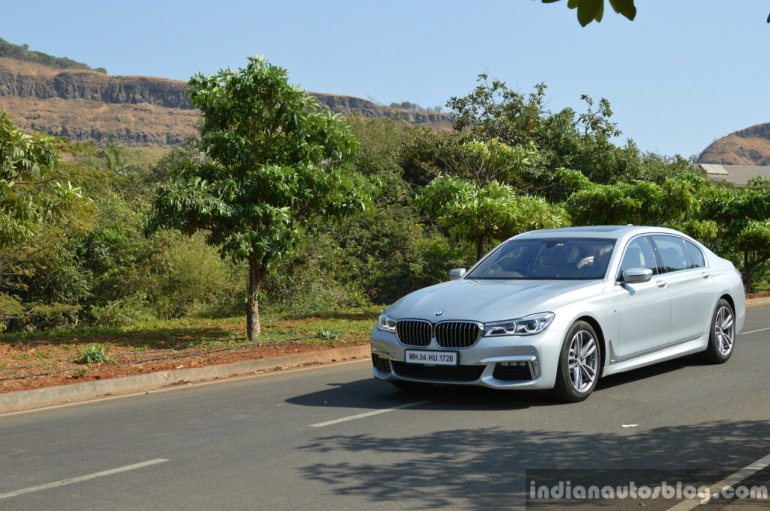 2017 BMW 7 Series M-Sport (730 Ld) front three quarter far Review