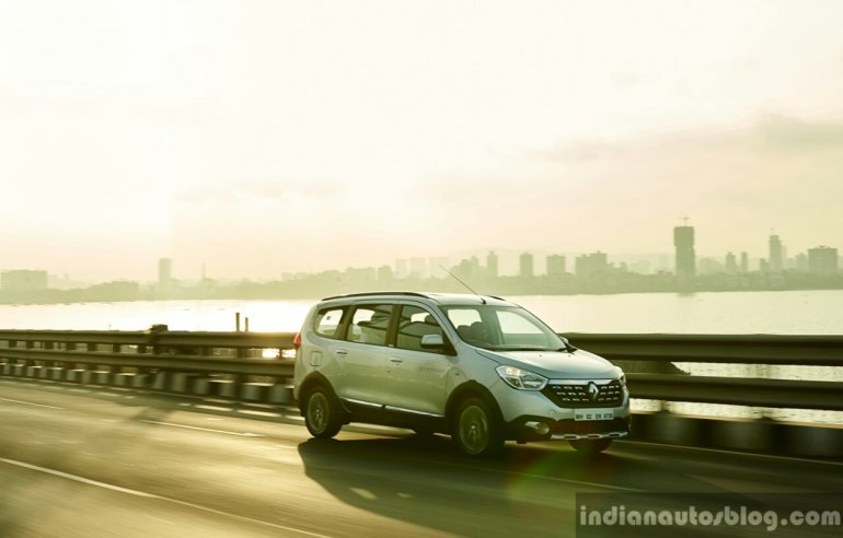 Renault Lodgy Stepway on the road First Drive Review
