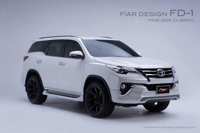 2017 Toyota Fortuner Fiar Design Body FD-1 kit front three quarter Studio shots