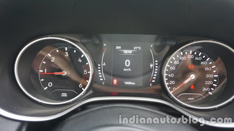 Jeep Compass instrument binnacle review