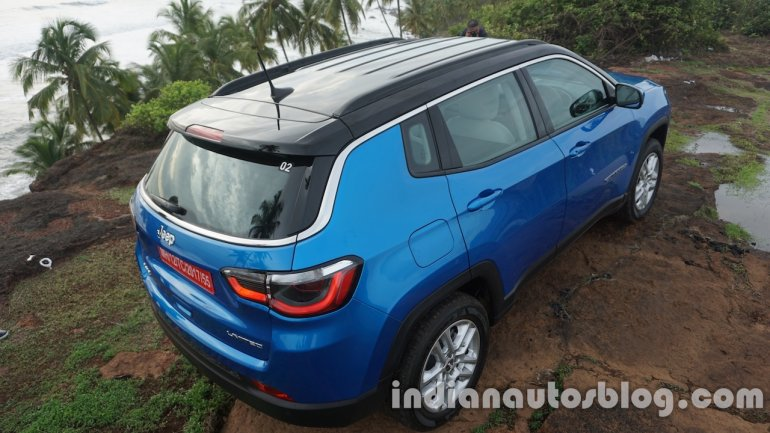 Jeep Compass roof rear windshield review