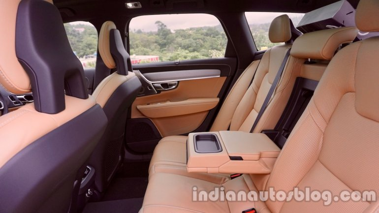 Volvo V90 Cross Country review rear seats