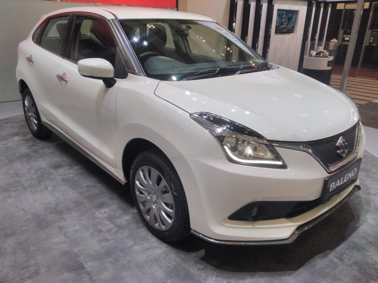Suzuki Baleno front at GIIAS 2017