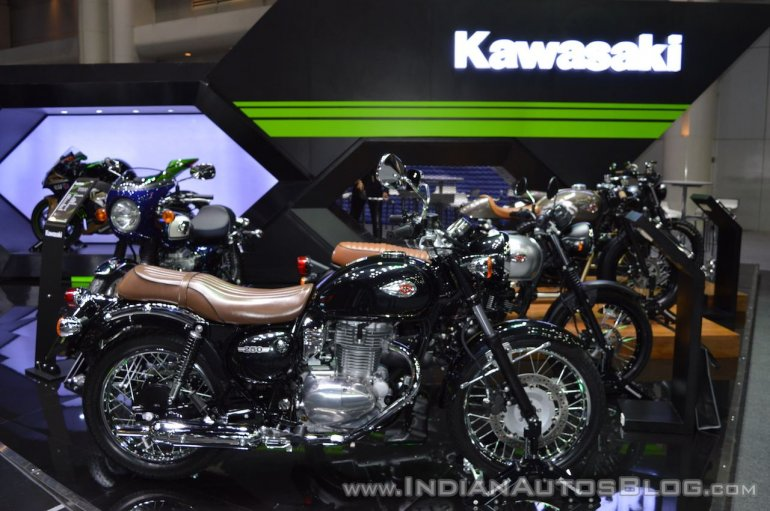 Kawasaki W250 right side at 2017 Thai Motor Expo