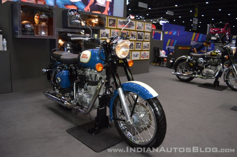 Royal Enfield Classic 500 Lagoon front right quarter at 2017 Thai Motor Expo