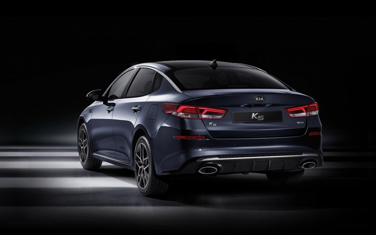2018 Kia K5 (Kia Optima) facelift rear three quarters