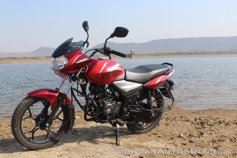 2018 Bajaj Discover 110 front left quarter first ride review