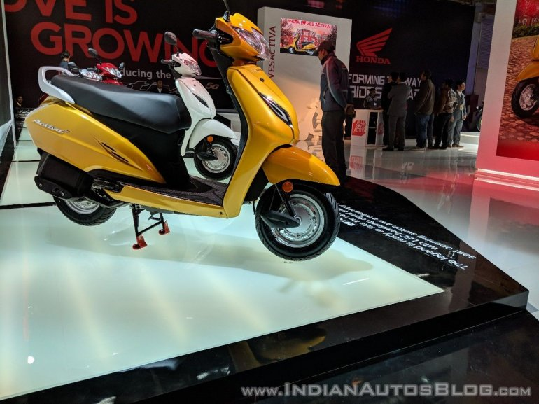 Honda Activa 5G right side at 2018 Auto Expo
