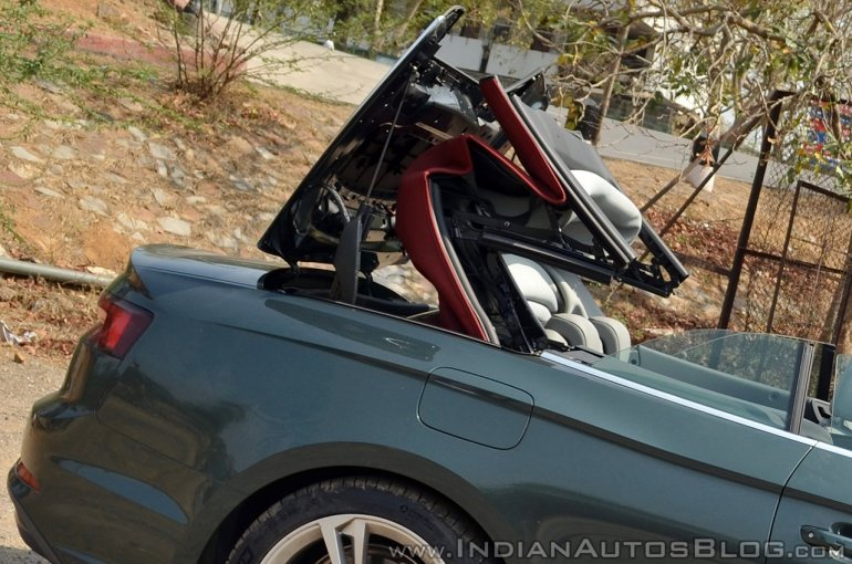 Audi A5 Cabriolet review roof action