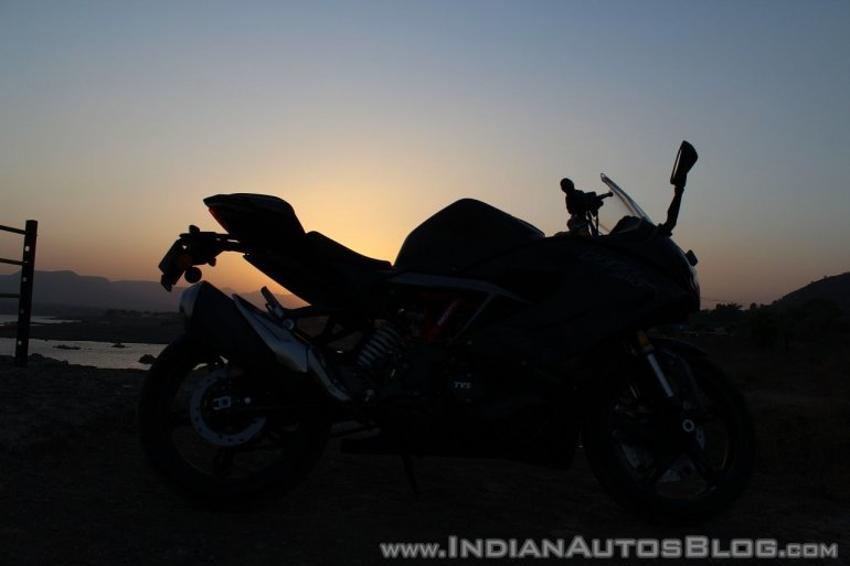 TVS Apache RR 310 Black detailed review silhouette shot
