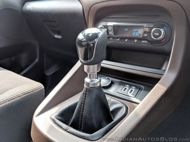 Ford Freestyle diesel review gear lever
